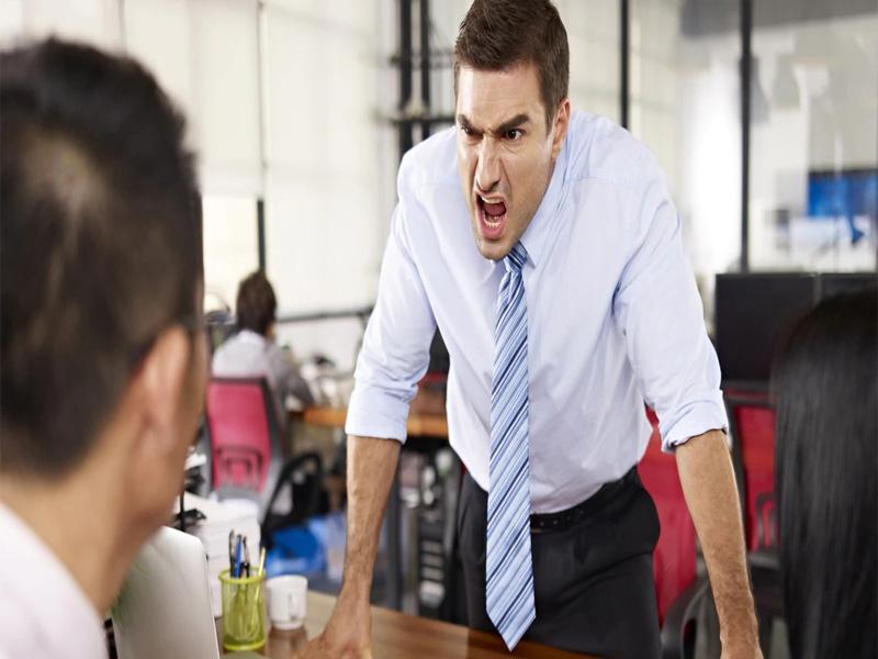Tener malas relaciones interpersonales con la gente que rodea es una gran desventaja